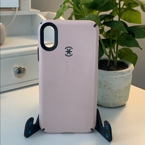 Speck iPhone XR case 💞